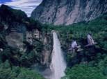 Télécharger 3D Mountain Waterfall