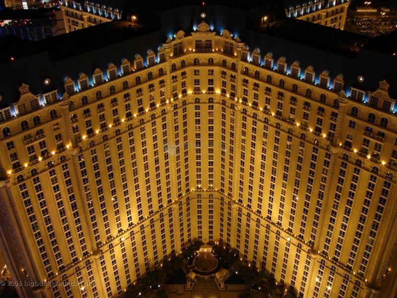 Pantallazo Paris Hotel at Night