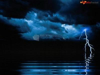 Pantallazo Dramatic Storm Screensaver