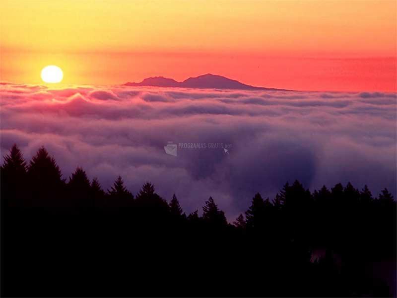 Pantallazo Puesta de sol en la montaña